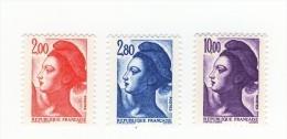 Les 3 Liberté De 1983 YT 2274d + 2275a Et 2276c En GOMME MATE . Pas Courants, Voir Scan . Cotes YT : 32 € Maury : 30 € . - Variedades: 1980-89 Nuevos