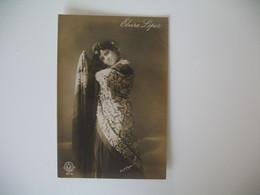 CPA Espagne Artiste  - Tajeta Fotografica -  Artista  Elvira Lopez  - Postkarte Spanien - Otros