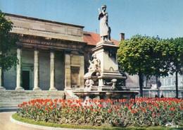 Dept 71,Saône Et Loire,Cpm Chalon Sur Saône,Square Du Palais De Justice - Chalon Sur Saone