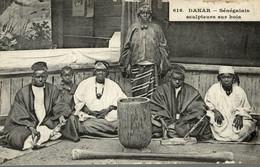 DAKAR SENEGALAIS SCULPTEURS SUR BOIS - Senegal
