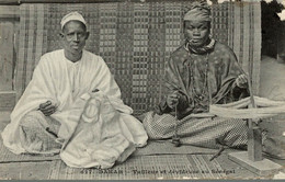 DAKAR TAILLEUR ET DEVIDEUSE AU SENEGAL - Senegal