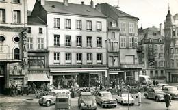 THIONVILLE  =  Place Du Marché  (voitures D'époque)  2465 - Thionville