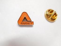 Beau Pin's Pins , Marque Anamet , Gaines , Flexibles - Marche