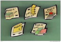 POST-IT *** Lot De 5 Pin's Differents *** 2119 - Marche