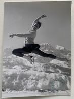 Photo De Patinage Artistique. Sport. Figure De Patinage. Nicole Hasler. - Deportes
