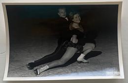 Figure De Patinage. Championnats De France De Patinage Artistique. Sport. 1955. Fanny Besson Et Jean-Paul Guhel. - Sporten