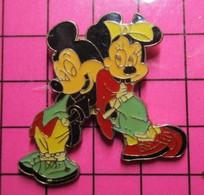 915b Pin's Pins / Beau Et Rare / THEME : DISNEY / MICKEY + MINNIE ça Va Faire Une Portée De Souriceaux !! - Disney