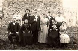 95 Val D Oise Bezons Famille Groupe Homme Femme Jardin Exterieur - Bezons