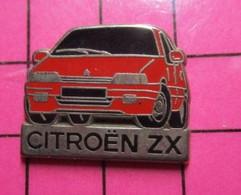 1116b Pin's Pins / Beau Et Rare / THEME : AUTOMOBILES / EN LEGER RELIEF CITROEN ZX ROUGE Par DECAT - Citroën