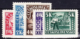 ** Tchécoslovaquie 1945 Mi 455-9 (Yv 420-4), (MNH) - Unused Stamps