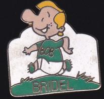 71644- Pin's- Personnage Bob Sur Les Bouteilles De Lait Frais Bridel.Belom. - Marche