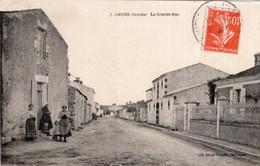 S5596 Cpa 85 Grues - La Grande Rue - Otros Municipios