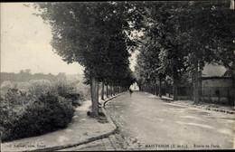 CPA Maintenon Eure Et Loir, Route De Paris - Sonstige Gemeinden