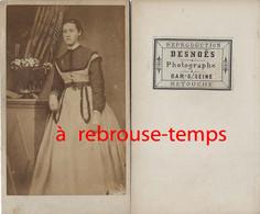 Par Desnoês à Bar Sur Seine-CDV Femme-mode Second Empire - Antiche (ante 1900)
