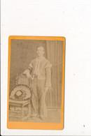 CDV Photo Homme Déguisé ( Mexicain ? Danseur ?  ) à Identifier   ( Photographe DESCLOZ à BOURGOIN 38 ISERE  ) - Anciennes (Av. 1900)