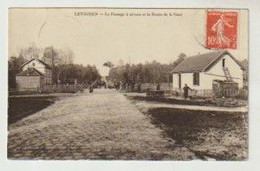 Oise LEVIGNEN Le Passage à Niveau Et La Route De La Gare - Andere Gemeenten