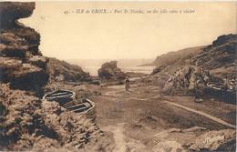 CPA Ile De Groix Port Saint-Nicolas Un Des Jolis Coins à Visiter - Groix