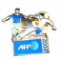 PIN'S ARTHUS BERTRAND FOOTBALL AFP 2002 - Arthus Bertrand