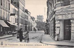 94 - VINCENNES Rue De Montreuil - Le Donjon ( Commerce De Vins En 1er Plan Pub CAFE BUFFET Du PALAIS ROYAL Au Verso CPA - Vincennes