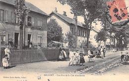 90 - BELFORT : Une Rue ( à Déterminer ) De La Cité Alasacienne ( Animation Enfants Landeaux ) CPA Territoire De Belfort - Belfort - Stad