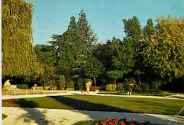 24 - Terrasson - Le Jardin Public - CPM - Etat Pli Visible - Voir Scans Recto-Verso - Sonstige Gemeinden