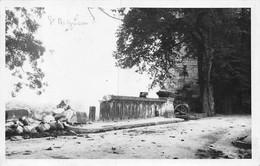 21-7001 : CARTE-PHOTO. LIGNE DE DEMARCATION A SAINT-AIGNAN-SUR-CHER. LE PARAPET DETRUIT DU PONT - Saint Aignan