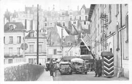 21-7002 : CARTE-PHOTO. LIGNE DE DEMARCATION A SAINT-AIGNAN-SUR-CHER. LIMITE DE LA ZONE LIBRE - Saint Aignan