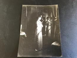 Photo - 1913 - Belle Demoiselle Se Mirant Dans Un Grand Miroir - Places