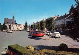 36 Ecueillé La Place Et Hotel De Ville Voiture Auto Simca 1100 Renault 16 4L Citroen Ami - Otros Municipios