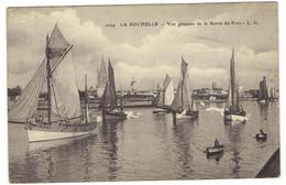 1024 -  LA  ROCHELLE  - Vue Générale De La Sortie Du Port - La Rochelle