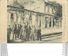 WW 60 SENLIS. Les Spahis Dans La Gare Après Le Bombardement 1914 - Senlis