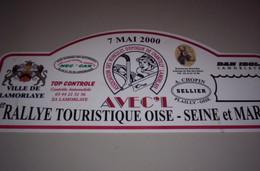 Collection Plaque Rallye Association Véhicules D'époque De Chantilly Avec'l Du 7 Mai 2000 - Targhe Rallye