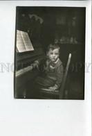 3164214 Russia LENINGRAD 1952 Boy W/ Piano PIANIST PHOTO Card - Personalità