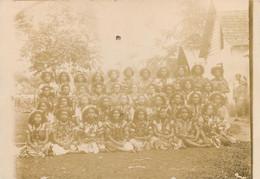 PHOTO ANCIENNE - POLYNESIE WALLIS ET FUTUNA ETHNIQUE CULTURE TRIBU COSTUME ECOLE FILLE - Wallis Et Futuna