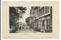 24-SIGOULES- La Grande Rue...  Animé  Café De L'AVENIR...  (pelurage) - Other Municipalities