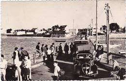 FROMENTINE: L'Estacade- On Embarque Pour L'Ile D'Yeu , Anciennes Voitures - Andere Gemeenten