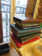 VRAC DE TIMBRES DU MONDE EN DIVERS CLASSEURS  ,tout  N ,'est Pas Scannée - Lots & Kiloware (mixtures) - Min. 1000 Stamps