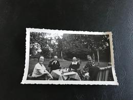Photo - 1936 - BRUXELLES (Jardin Particulier) Le Thé - Anonymous Persons