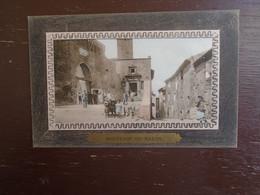"""Carte Assez Rare De 1912, Souvenir De Salon , Entrée Du Château  """""""" Carte Animée """""""" - Salon De Provence"""