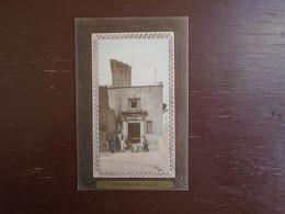 "Carte Assez Rare De 1912, Souvenir De Salon , Corps De Garde Du Château """" Carte Animée """" - Salon De Provence"