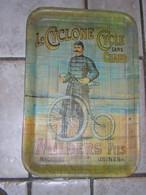 Plateau Pub Publicitaire CYCLE SANS CHAINE LE CYCLONE MILDERS ET FILS Ancien - Posters