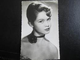 E- Carte Postale Brigitte BARDOT - Artisti