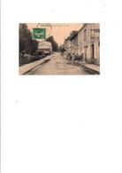 C P A  ANIMEE MONTMOREAU ROUTE DE LA GARE CAFE RESTAURANT MARTIN   CIRCULEE 1911 - Otros Municipios