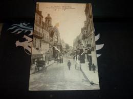 Cartes Postale  Allier Vichy Rue De Nimes Vue Prise Du Carrefour Des Quatres Chemins Animée - Vichy
