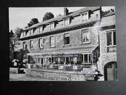 Oud   FOTOPOSTKAART  Wit -- Zwart  Grand Hotel D' YVOIR  --- YVOIR  -- Sur  -- Meuse - Yvoir