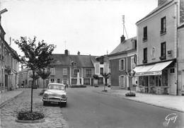 91-ANGERVILLE- A DROITE LA MAISON NATALE DE TESSIERAU FOND LE MONUMENT AUX MORTS DE LA GENDARMERIE - Angerville