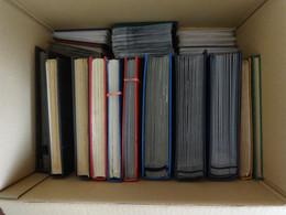 P_ Großer Karton Mit 12 Einsteckbüchern Und 6 Briefalben - Viel Europa + Motive - Ein Buntes Sammelsurium - Colecciones (en álbumes)