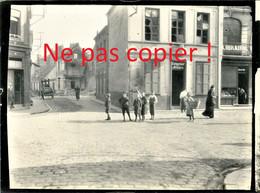 PHOTO ALLEMANDE DU RIR 31 - UNE RUE ET ENFANTS DE LENS PAS DE CALAIS - GUERRE 1914 - 1918 - 1914-18