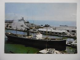 SAINT NAZAIRE Bateau Cargo Franchissant Le Pont Levant - CPM 44 LOIRE ATLANTIQUE - Saint Nazaire