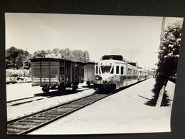 Photographie Originale De J.BAZIN : Les Autorails Aciéries Du NORD Réseau.Nord SNCF.  VIEUX - ROUEN Sur BRESLE En 1959 - Trains